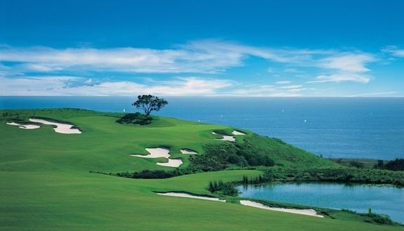 Pelican Hill's links-style Ocean North Course features glorious Pacific panoramas from every hole.